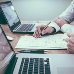 Analoge Geschäfts Prozesse auf Papier, Besprechung